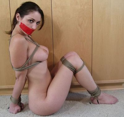 Female Escape Artist torrent